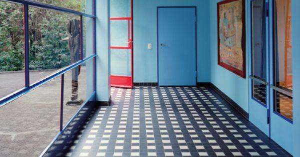 Bauhaus am see architectural digest interiors for Bauhaus case in legno