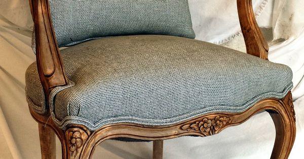 Sill n cl sico decapado en madera natural y retapizado - Sillon estilo provenzal ...