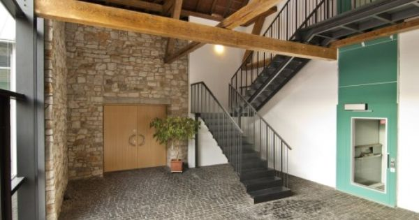 foyer in der ehemaligen scheune umbau und erweiterung. Black Bedroom Furniture Sets. Home Design Ideas