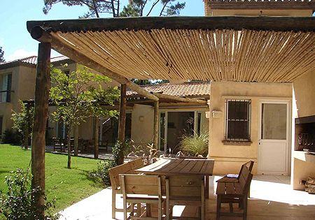 Ideas sencillas para decorar p rgolas de madera techos - Ideas para pergolas ...