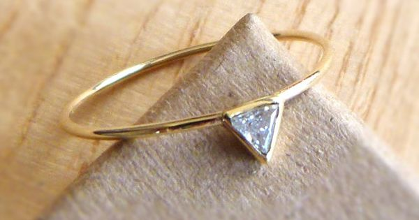 triangle diamond ring love the simplicity I could be completely happy with