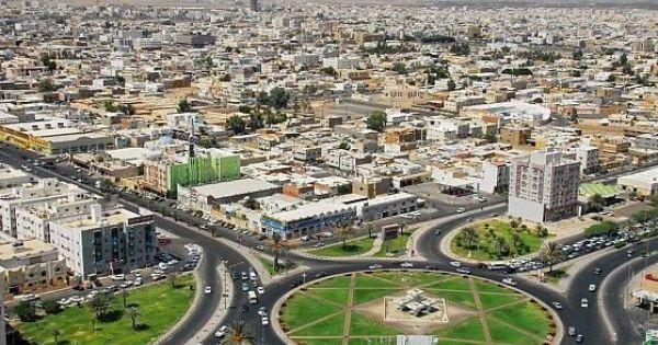 وافد يحاول الانتحار بغرس آلة حادة في عنقه بتبوك Tabuk Saudi Arabia City Photo