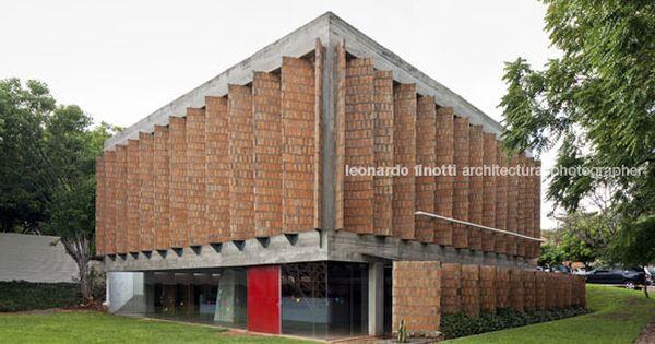 Solano benitez centro di riabilitazione teleton asuncion for Arquitectura materias