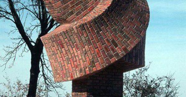 Dennis Oppenheim: brick knot building.