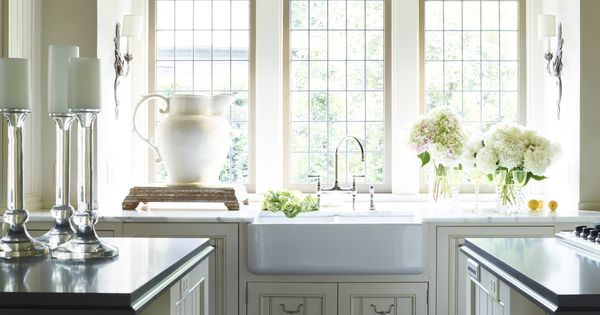 Double Sided Farmhouse Sink : Double sided ceramic sink and three windows in kitchen McAlpine ...