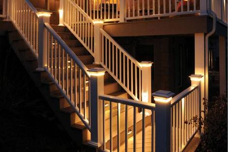 Azek Premier Rail In White With Post Cap Lights Under Rail Lights And Riser Lights The Decking Featured Is Aze Hardwood Decking Building A Deck Deck Lighting