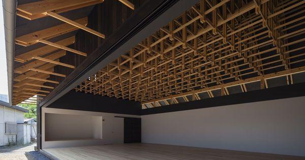 Fachwerk auf japanisch zwei sporthallen in tokio for Japanische architektur holz