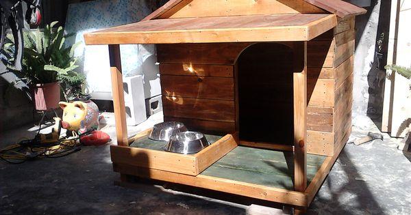 Casa para perro con alimentador y porche dog house in wood - Casas con porches de madera ...