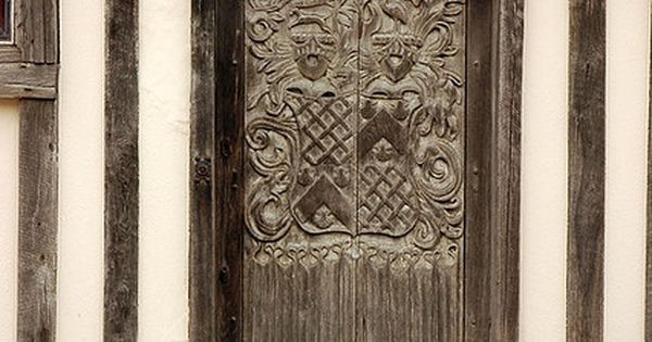 Pickmoss medieval timber house door (Oxford, UK).
