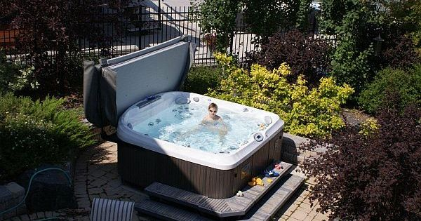 8 ways to place your original outdoor jacuzzi home originals and jacuzzi. Black Bedroom Furniture Sets. Home Design Ideas