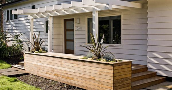 More Modern Pergola Porch With Lemongrass In The Planters And Or Lavender Gardening