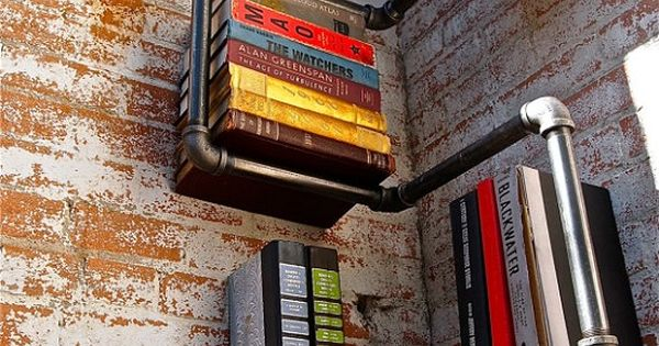 clever pvc pipe bookshelf idea!