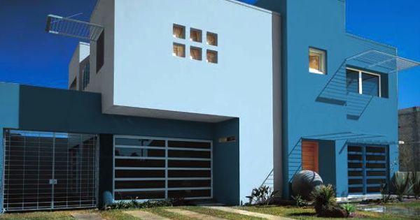 Una fachada en tonos azules para una casa que brinda - Pintura para fachadas exteriores ...