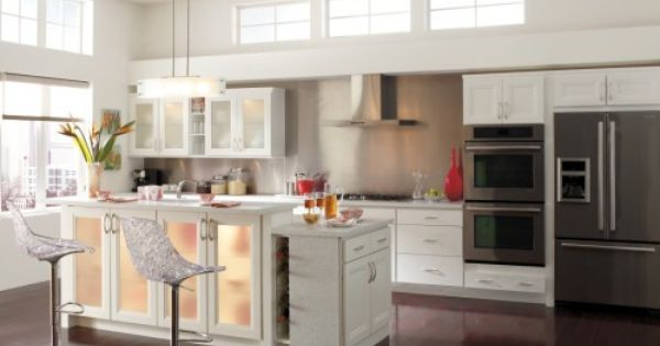 Homecrest Cabinetry Whitby Purestyle White Modern Kitchen Kitchen Design Kitchen Cabinet Styles Kitchen Cabinets And Countertops