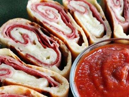 Easy Calzone Rolls -- $1.10 (two slices) | 15 Cheap Recipes and