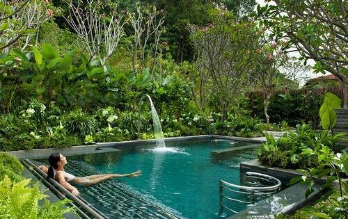 Top trends at the world 39 s best new spas tropical garden for Tropical pool gardens