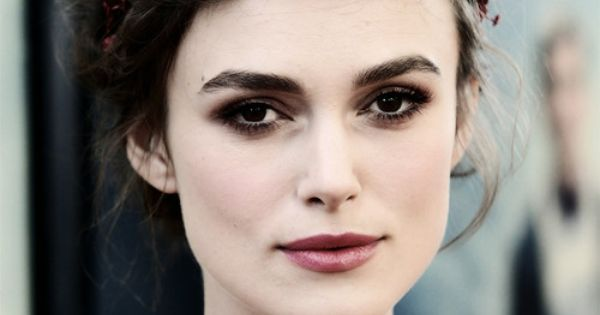 Keira / soft pastels / smoky eyes.