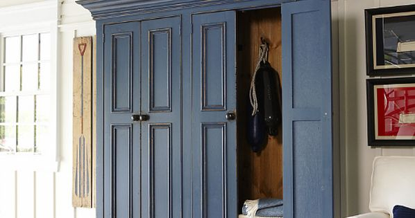Entryway coat storage cabinet to die for! Think I need one ...