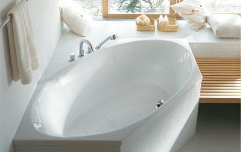 badezimmer die richtige wanne f r kleine r ume wohnen pinterest wannen. Black Bedroom Furniture Sets. Home Design Ideas