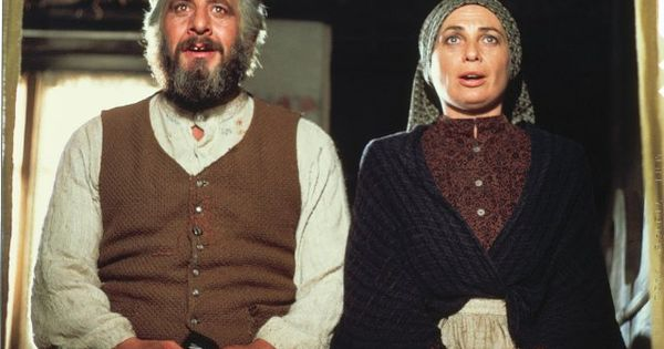 Norma Crane And Topol In Fiddler On The Roof ★ I M A Fan