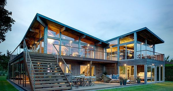 Designed by Bates Masi Architects, this contemporary two-storey residence is situated on