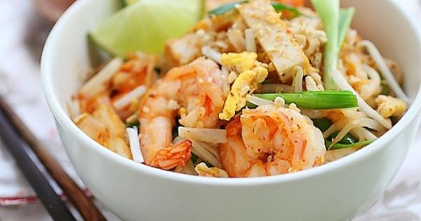 Shrimp Pad Thai on the Lighter Side - Guest post from Rasa Malaysia ...