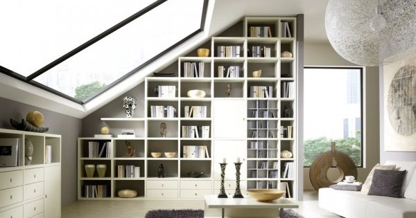 Biblioth que en sous pente meuble biblioth que for Bibliotheque contemporaine laquee design