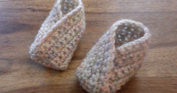 Ravelry: Simple Crossover Bootie pattern by Louise Mac Perfect gender neutral baby