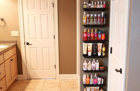 I need to do this in my bathroom. Organize Overflowing Bathroom Beauty