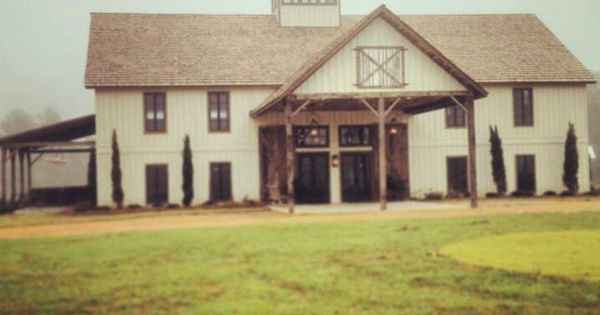 The Barn At Bridlewood Wedding And Event Venue In Hattiesburg Ms Barns Pinterest Event