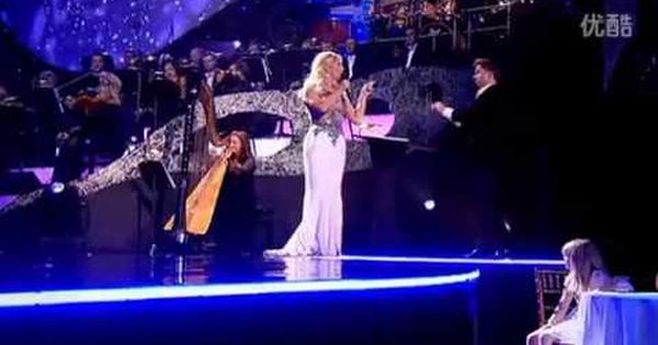 Celtic Woman Santa Claus Is Coming To Town Celtic Woman Santa Claus Is Coming To Town Celtic Thunder