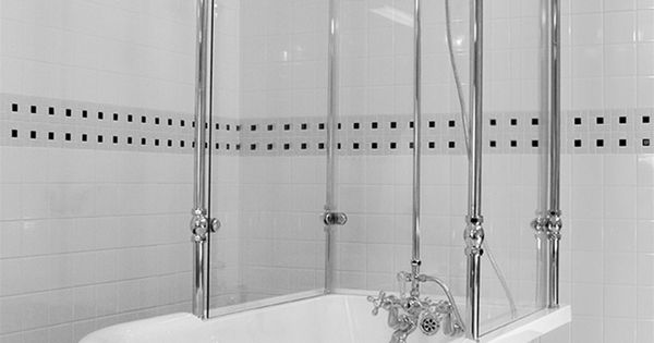 Circa 1880 59 Classic Style Clawfoot Tub And Glass Shower