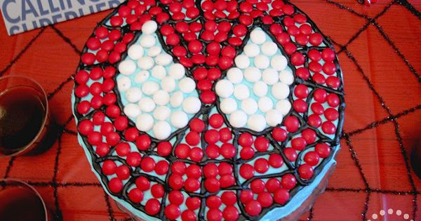 {Brilliant Spiderman Cake} This looks like a cake even I could pull