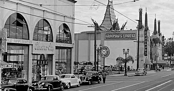Hollywood Boulevard In The Late 1940s After The Hillcrest
