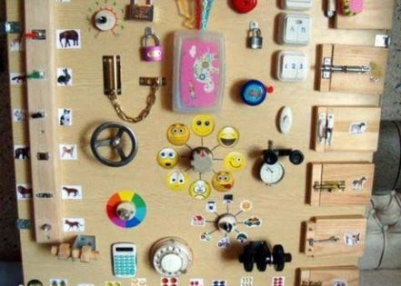 tableau de bord pour enfant bricolage activites simples fait maison 3 enfant pinterest. Black Bedroom Furniture Sets. Home Design Ideas