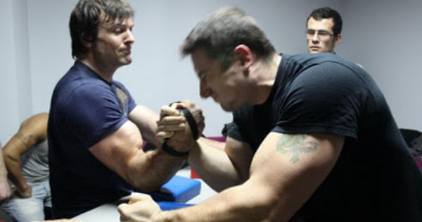 Water Vs Fire Arm Wrestling: Larratt Arm Wrestling