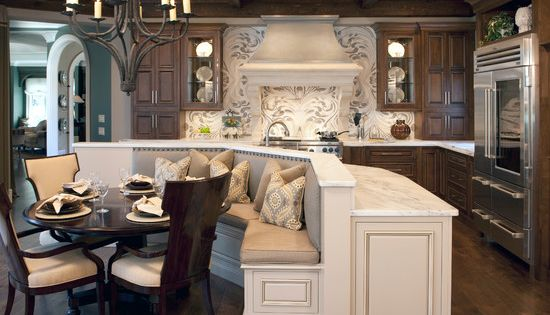 love this seating area idea for the kitchen island :)
