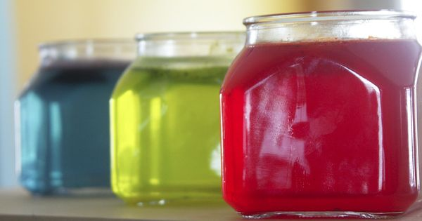 Homemade essential oil air fresheners - love this idea.