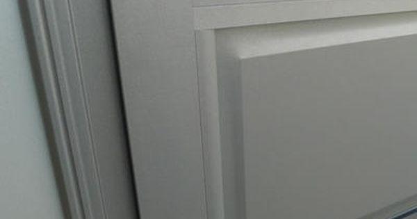 Detail Soubassement Et Moulure De Finition Gamme Instinctive Ral 2900 Sable Fenetre Aluminium Moulure Decoration Fenetres Alu Fenetres Aluminium Habitat