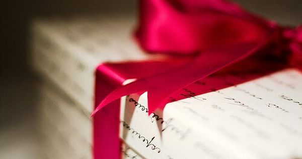 هل جربت يوما ان تهدي من تحب ورقه بيضاء ملفوفه بـ شريط احمر براق بدلا عن قنينة عطر او باقة ورد او كل ماي Happy Valentines Day Happy Valentine Red Christmas