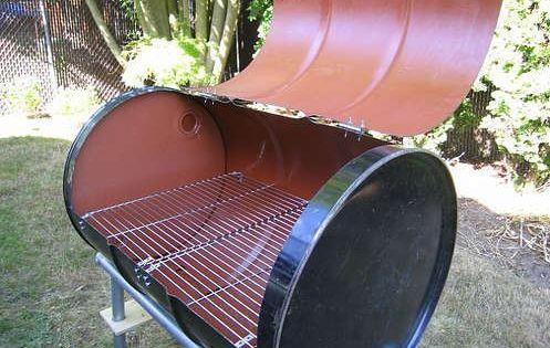 utiliser un barril ou tonneau en m tal pour fabriquer un barbecue de jardin c 39 est r cup et pas. Black Bedroom Furniture Sets. Home Design Ideas