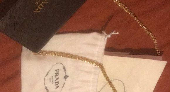 c7f9fdb88609 Selling my Borsa Port Saffiano Lux purse in Nero New Prada Cross body hand  bag. Never worn, in perfect condition. Message me for speci…