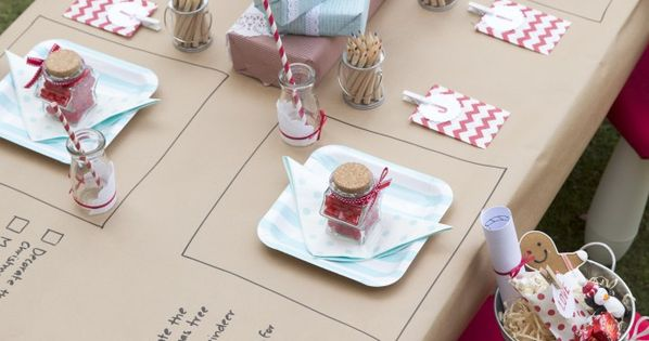 We love this idea for the kids Christmas table decorations! happyhome family