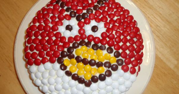 Angry Birds Birthday Party food: Angry Birds Pizza and Cake - The