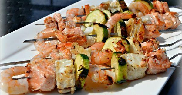 Brochettes de poissons et courgettes marin es la plancha for Poisson a la plancha