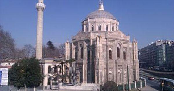 Bagiazht Tzami Pyrpolhsh H Atyxhma Kata Tis Ergasies Anasthlwshs Anaktisis Ta Nea Arxikh Architecture Istanbul Taj Mahal