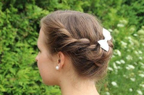 Sommerfrisur Fur Mittellange Haare Sommerfrisuren Hochzeitsfrisuren Hochsteckfrisuren Mittellang