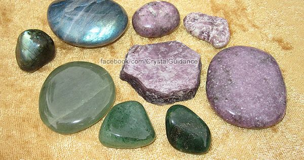 Crystal Guidance: Crystal Tips and Prescriptions - Anxiety. Top Recommended Crystals: Labradorite,