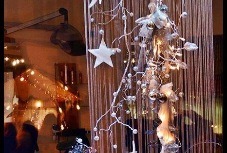 Schaufenster herbst und weihnachten creative deko des for Schaufenster dekoartikel