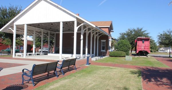 check out the old train depot in downtown jacksonville at the riverwalk crossing park vacation. Black Bedroom Furniture Sets. Home Design Ideas